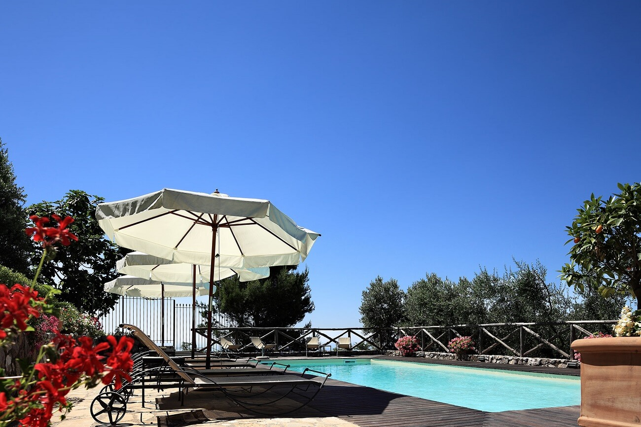 holiday apartments with swimming pool, near sorrento