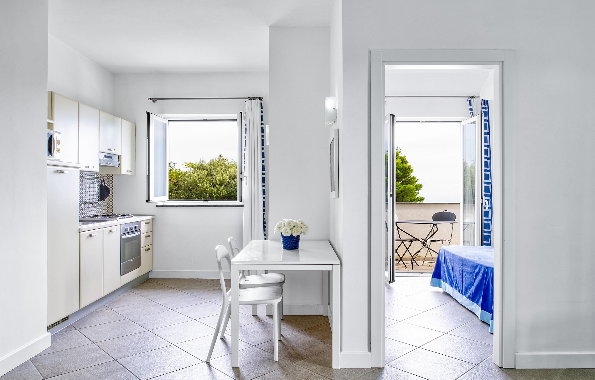 fully equipped kitchenette, holiday apartment families