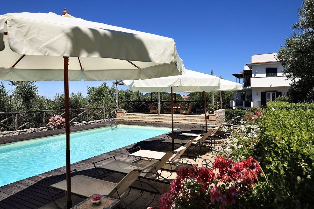 holiday apartments near sorrento with pool